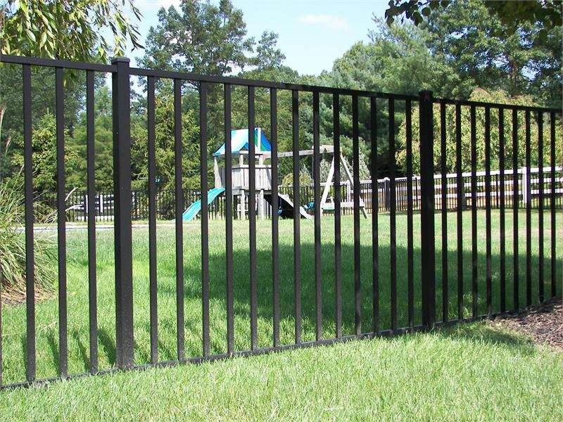 Aluminum swimming pool fence panels