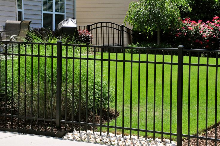 Specrail Saybrook Aluminum Fence with Arch Gate
